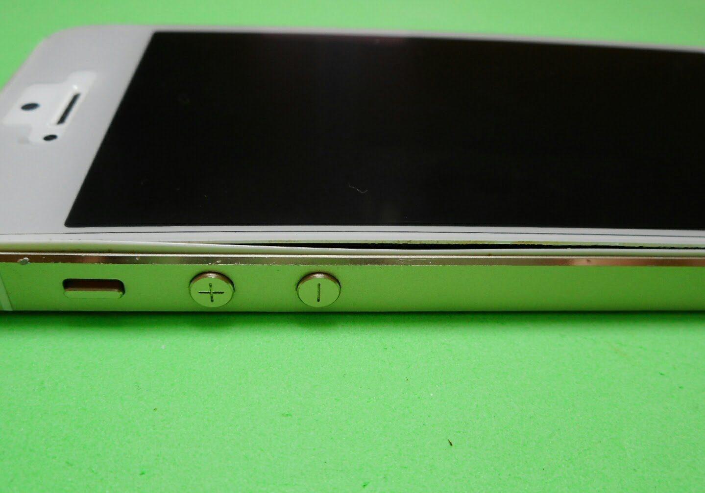 膨らんでしまったiPhone