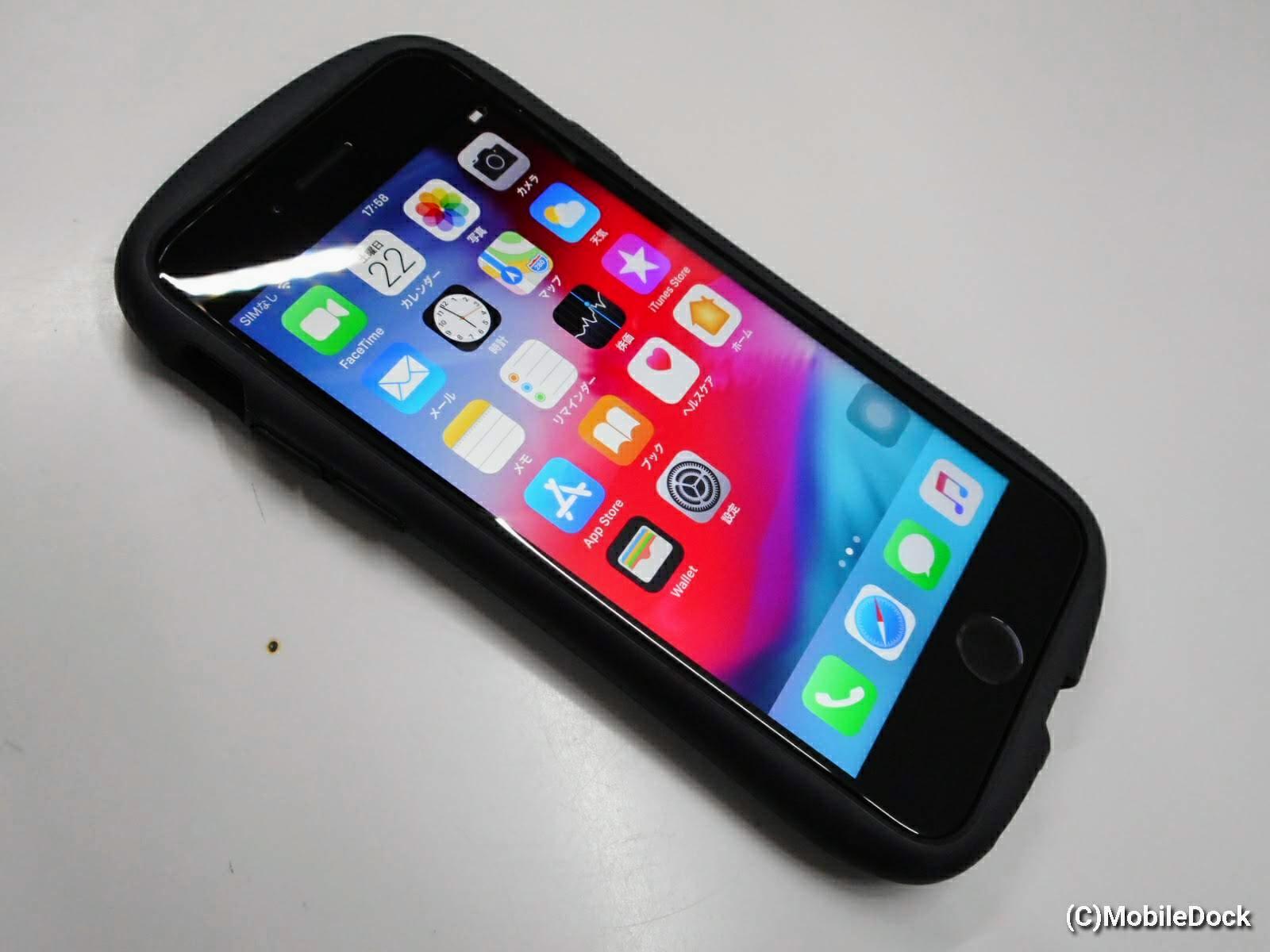 パネル修理後ケースに入ったiPhone7