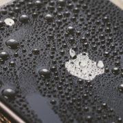 防水対策されたiPhone